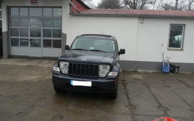 JEEP COMMANDER 3.7