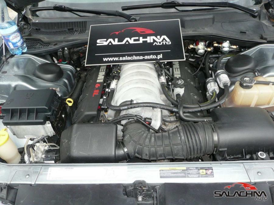 CHRYSLER 300C SRT 6.1 V8